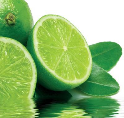 limonki-zatopione-w-wodzie