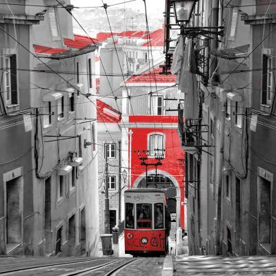 czerwony-tramwaj-w-barcelonie