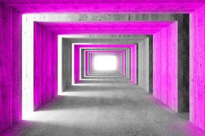 powiekszajacy-korytarz-i-szare-kolumny