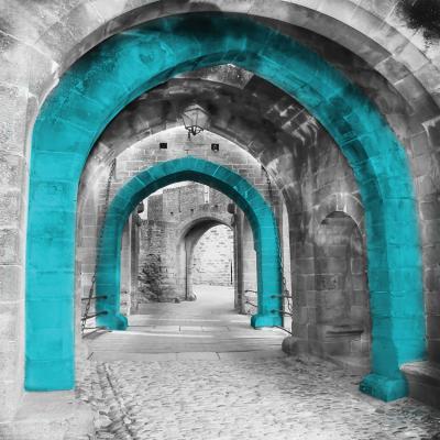 przestrzenny-kamienny-korytarz