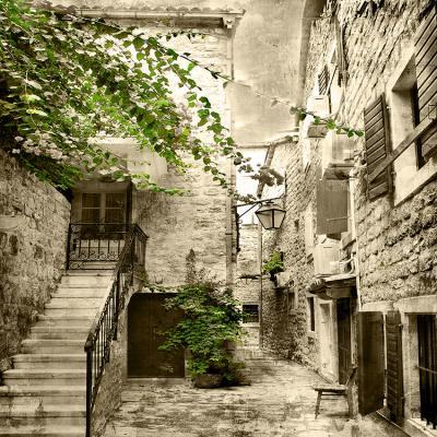 romantyczna-uliczka-i-kamienne-schody