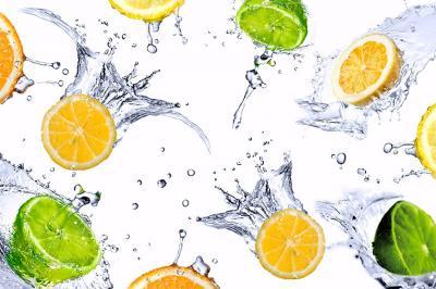 limonki-i-cytrynki-w-wodzie