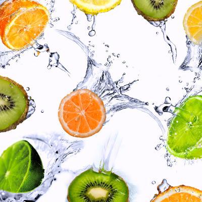 soczyste-owoce-w-wodzie
