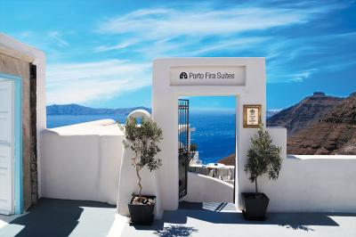 grecki-krajobraz-i-biale-drzwi