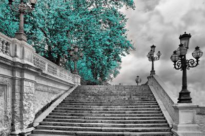 szmaragdowe-drzewo-i-schody