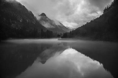jezioro-w-gorach