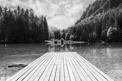 pejzaz-z-jeziorem