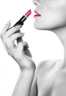 grafika-kobieta-i-rozowa-szminka