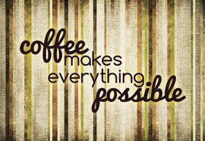coffee-makes-everything-possible-na-deskach