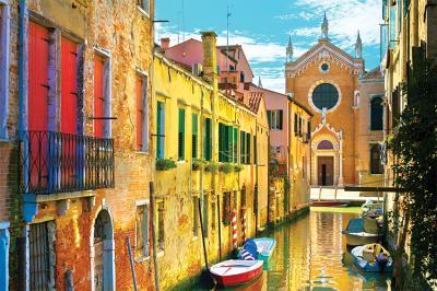romantyczna-wloska-uliczka-i-gondole