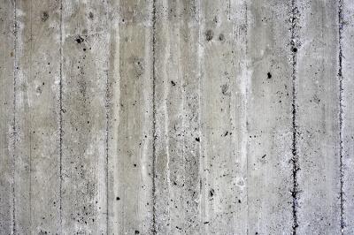 deski-odbite-w-betonie