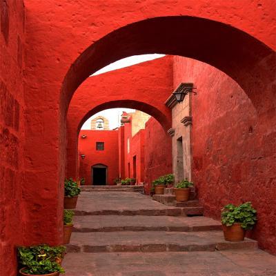 czerwona-kamienna-uliczka